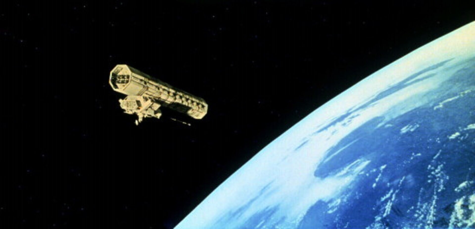 2001: A Space Odyssey - Image 3