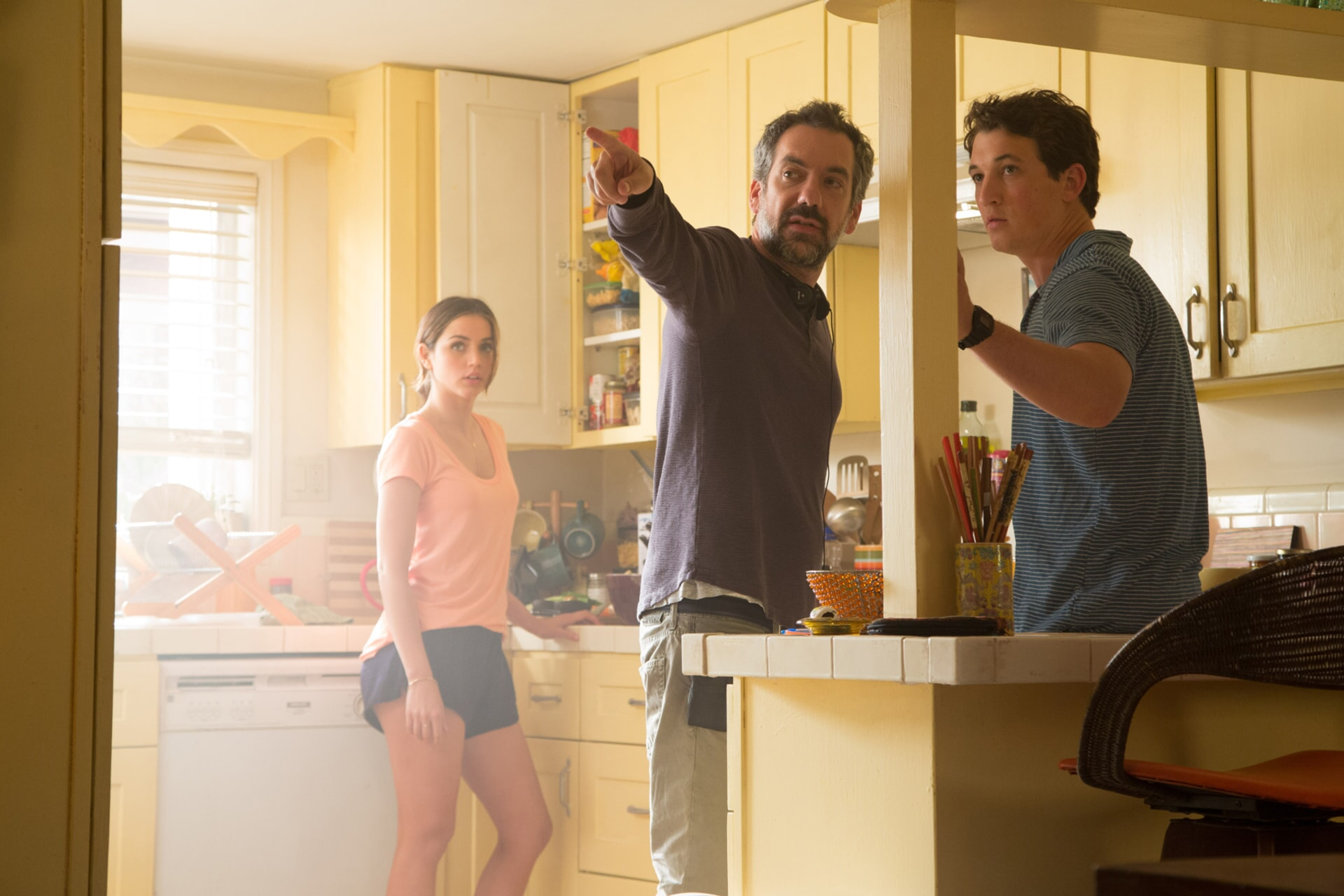 """ANA DE ARMAS, director/writer/producer TODD PHILLIPS and MILES TELLER on the set of Warner Bros. Pictures comedic drama (based on true events) """"WAR DOGS,"""" a Warner Bros. Pictures release."""