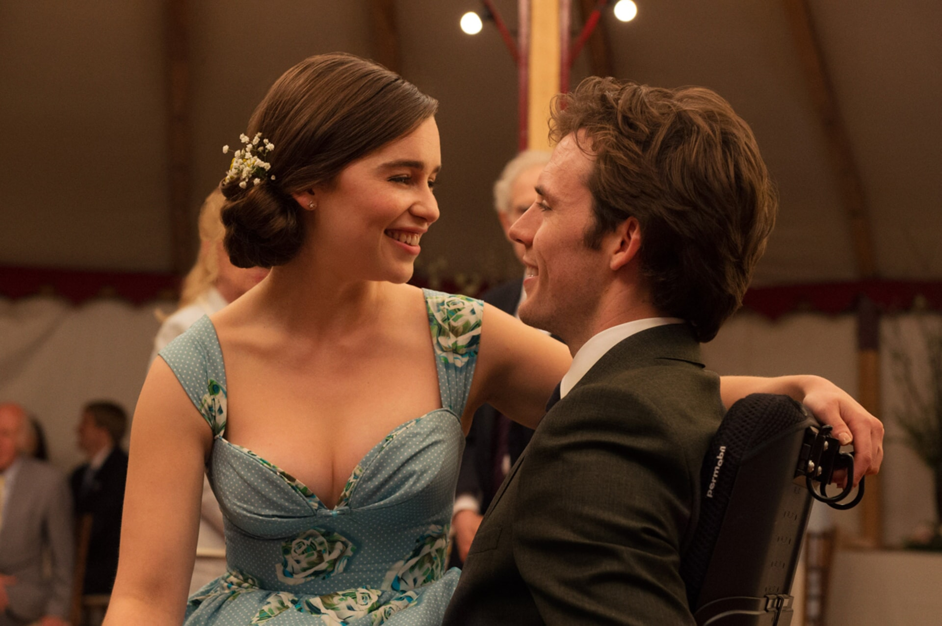 """EMILIA CLARKE as Louisa """"Lou"""" Clark and SAM CLAFLIN as Will Traynor in New Line Cinema's and Metro-Goldwyn-Mayer Pictures' romantic drama """"ME BEFORE YOU,"""" a Warner Bros. Pictures and Metro-Goldwyn-Mayer Pictures release."""