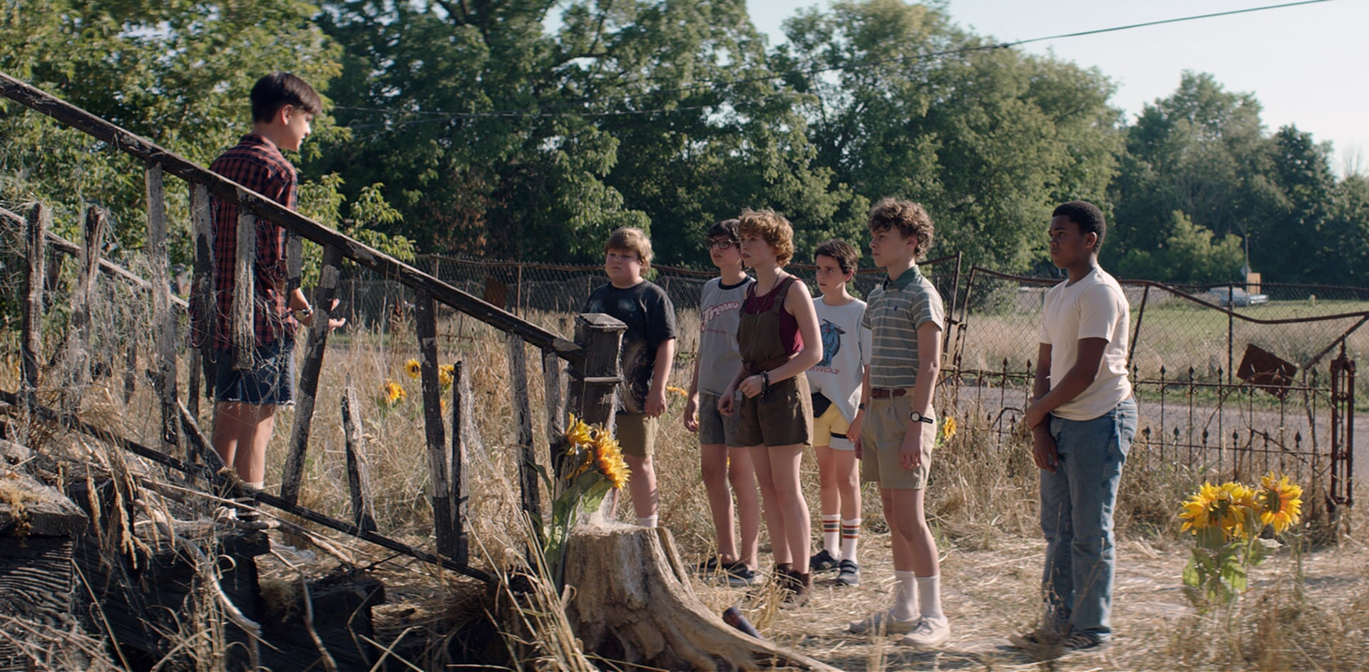 "JAEDEN LIEBERHER as Bill Denbrough, JEREMY RAY TAYLOR as Ben Hanscom, FINN WOLFHARD as Richie Tozier, SOPHIA LILLIS as Beverly Marsh, JACK DYLAN GRAZER as Eddie Kaspbrak, WYATT OLEFF as Stanley Uris and CHOSEN JACOBS as Mike Hanlon in New Line Cinema's horror thriller ""IT,"" a Warner Bros. Pictures release."