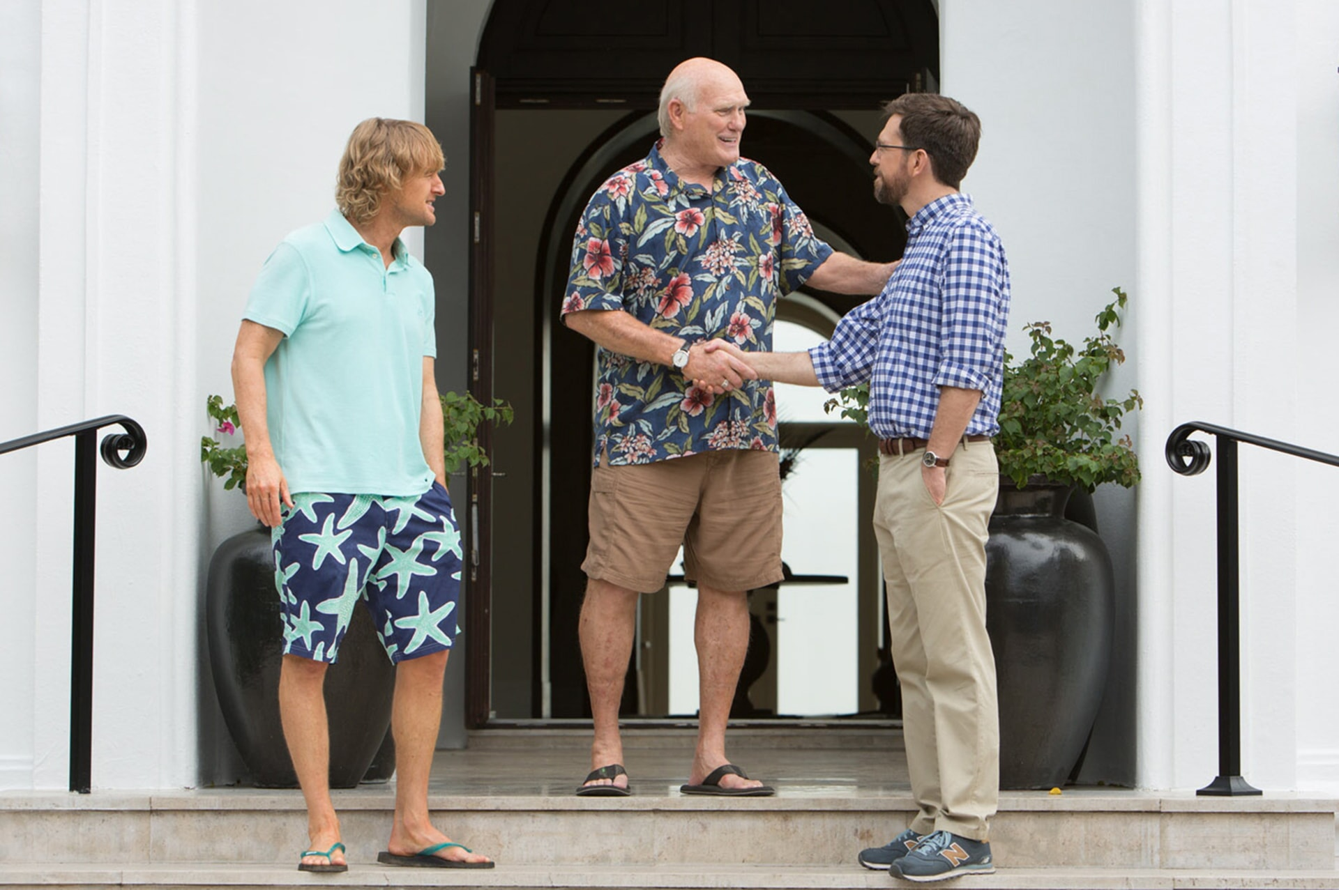 "OWEN WILSON as Kyle, TERRY BRADSHAW as himself and ED HELMS as Peter in Alcon Entertainment and Montecito Pictures' comedy ""FATHER FIGURES,"" a Warner Bros. Pictures release."