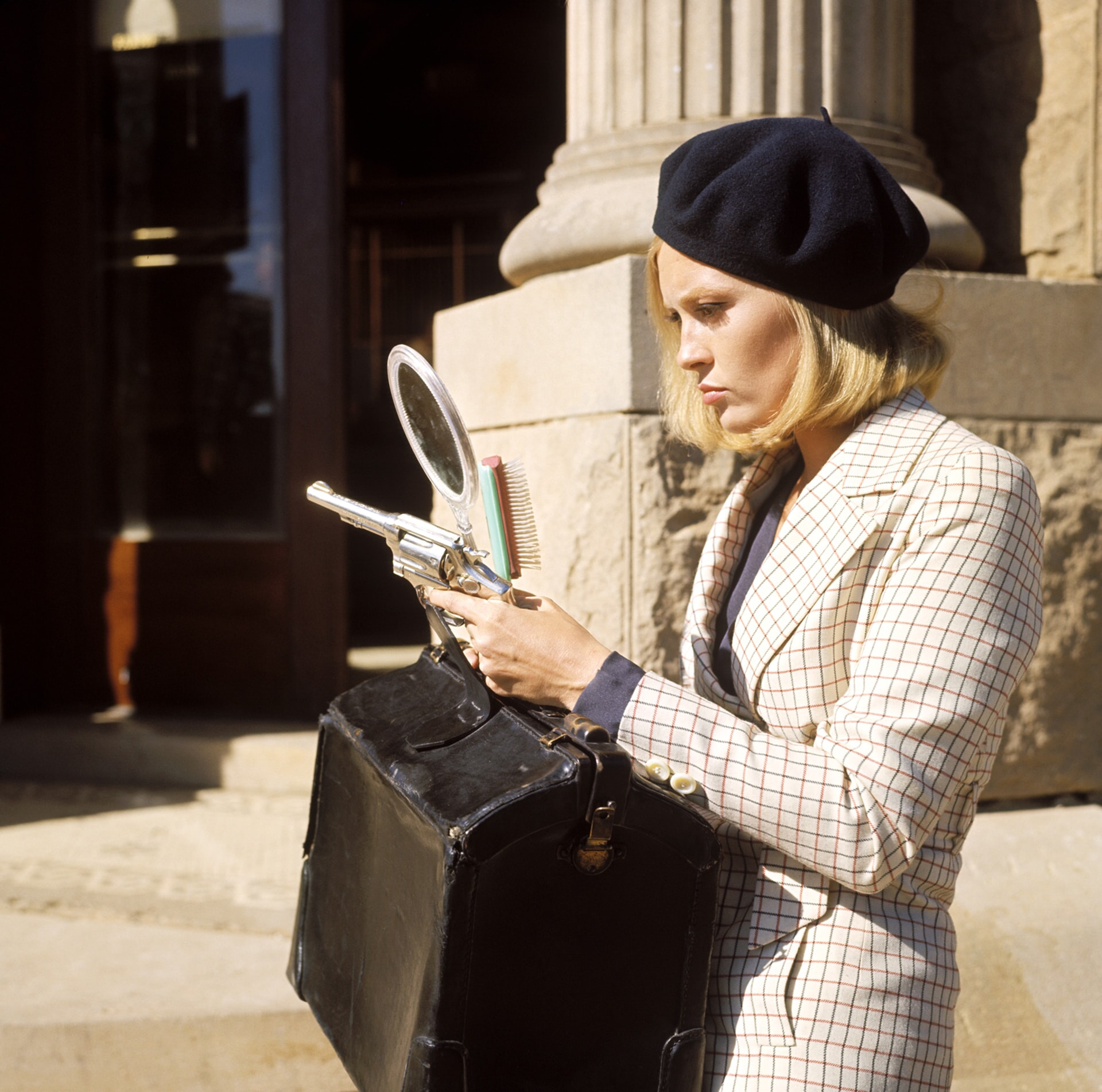 faye dunaway as bonnie parker in bonnie and clyde