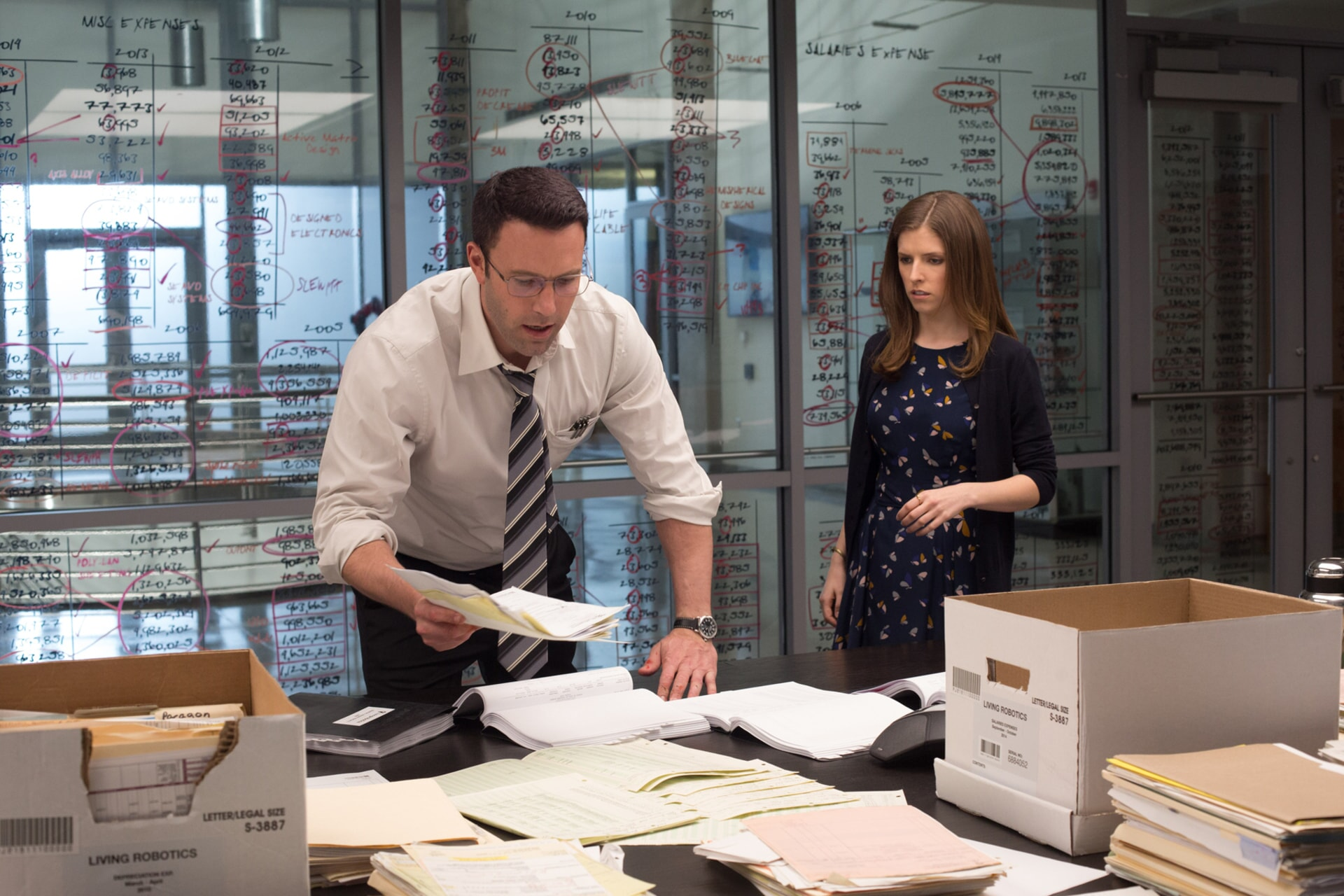 """BEN AFFLECK as Christian Wolff and ANNA KENDRICK as Dana Cummings in Warner Bros. Pictures' """"THE ACCOUNTANT,"""" a Warner Bros. Pictures release."""