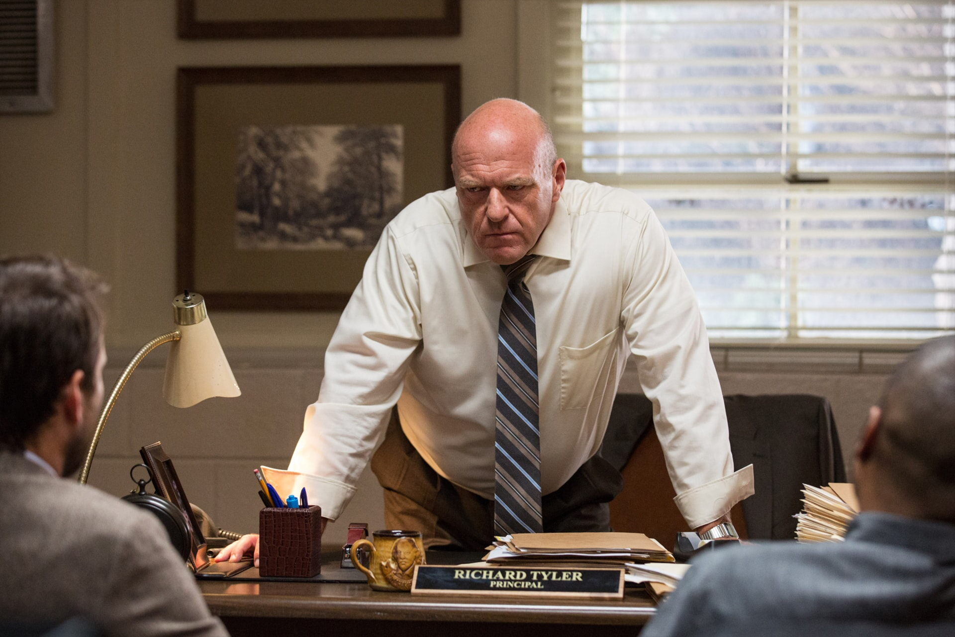 """DEAN NORRIS as Principal Tyler in the New Line Cinema and Village Roadshow Pictures comedy """"FIST FIGHT,"""" a Warner Bros. Pictures release."""