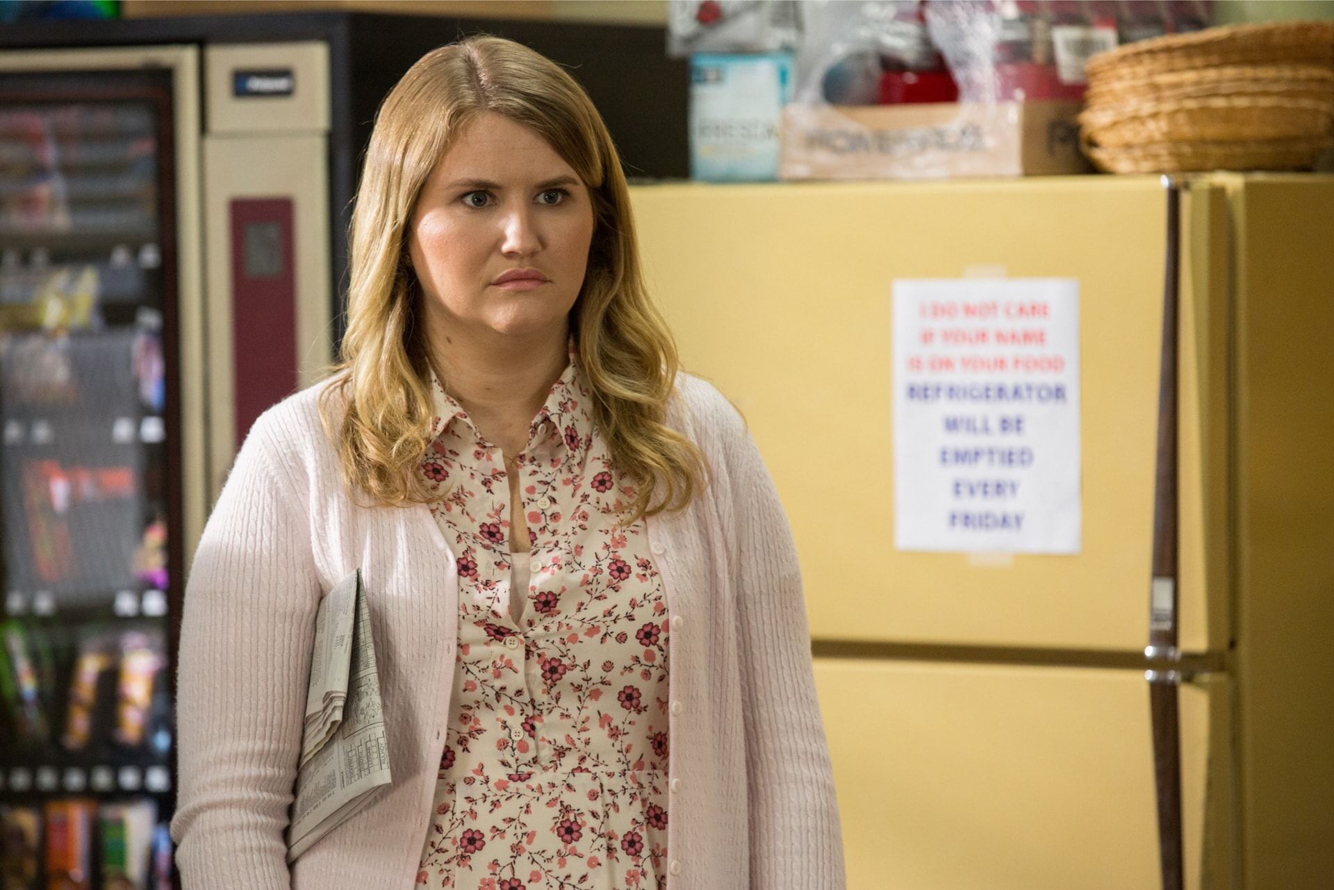 """JILLIAN BELL as Holly in the New Line Cinema and Village Roadshow Pictures comedy """"FIST FIGHT,"""" a Warner Bros. Pictures release."""