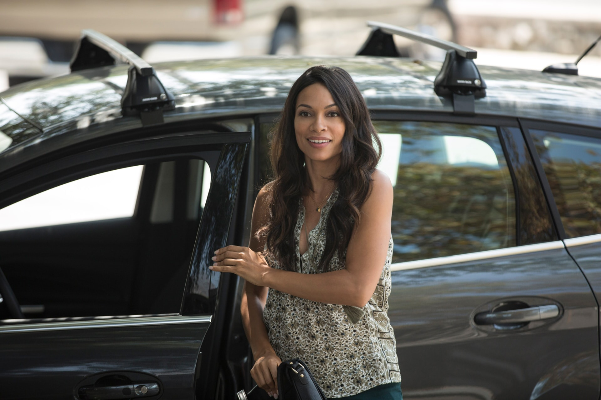 "ROSARIO DAWSON as Julia Banks in Warner Bros. Pictures' dramatic thriller ""UNFORGETTABLE,"" a Warner Bros. Pictures release."