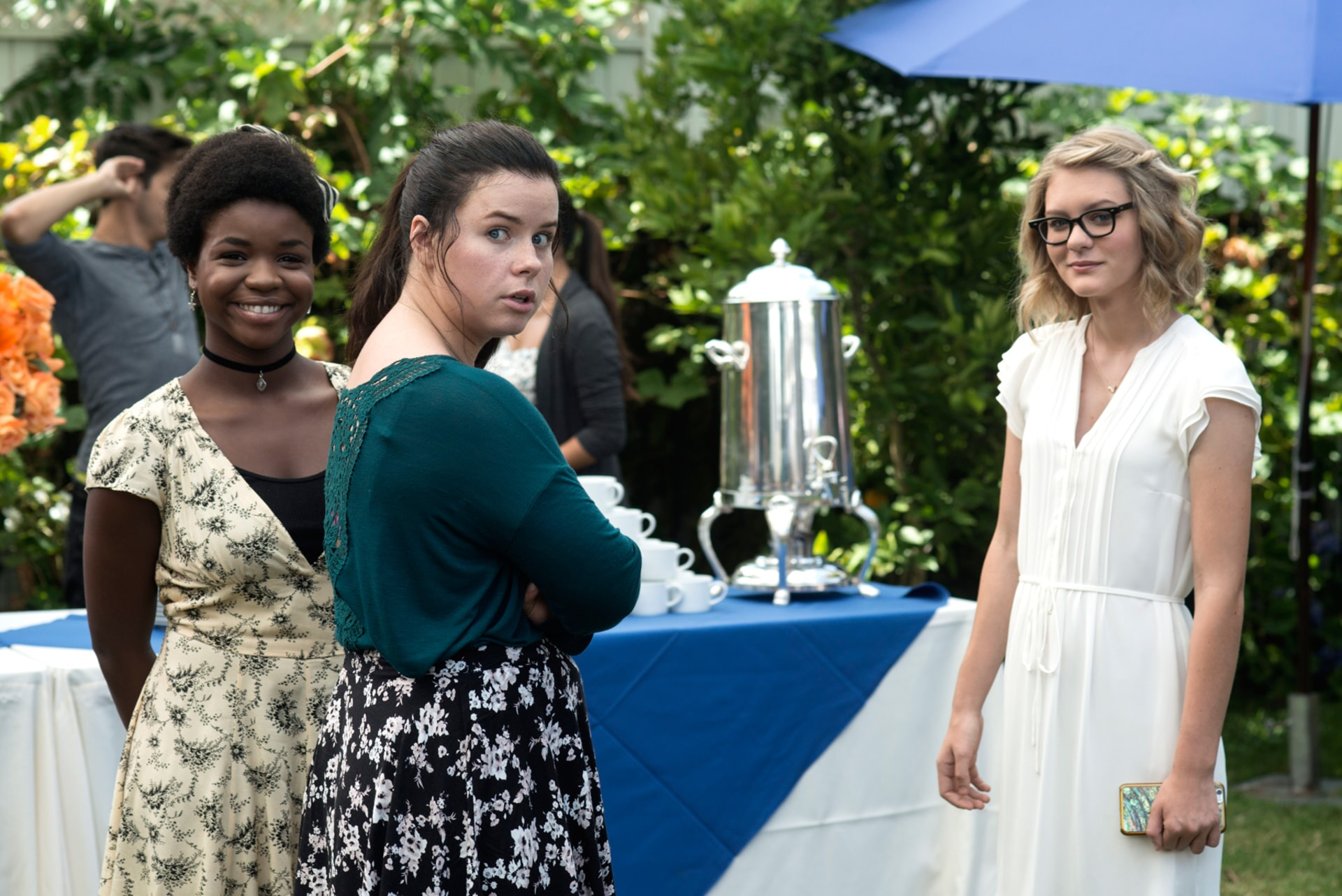 """CHRISTINA OFFLEY as Davida, JESSIE ENNIS as Rachel and RYAN SIMPKINS as Alex Johansen in the New Line Cinema and Village Roadshow Pictures comedy """"THE HOUSE,"""" a Warner Bros. Pictures release."""