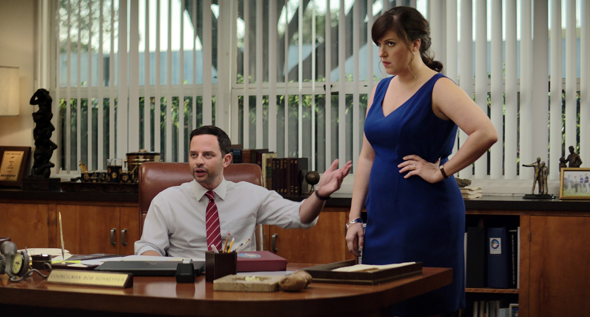 """NICK KROLL as Bob and ALLISON TOLMAN as Dawn in the New Line Cinema and Village Roadshow Pictures comedy """"THE HOUSE,"""" a Warner Bros. Pictures release."""