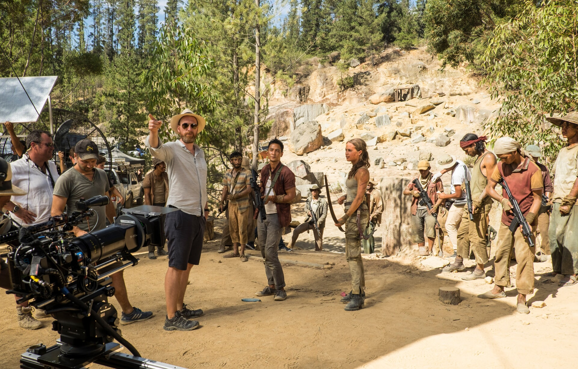 """(Center L-R) Director ROAR UTHAUG, DANIEL WU and ALICIA VIKANDER on the set of Warner Bros. Pictures' and Metro-Goldwyn-Mayer Pictures' action adventure """"TOMB RAIDER,"""" a Warner Bros. Pictures release."""