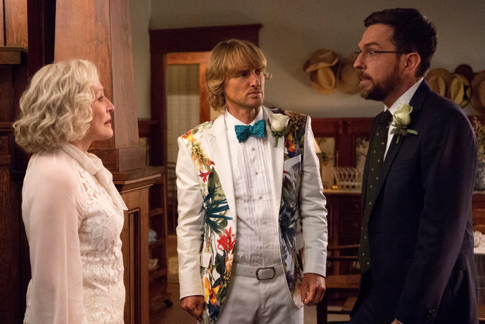 "GLENN CLOSE as Helen, OWEN WILSON as Kyle Reynolds and ED HELMS as Peter Reynolds in Alcon Entertainment's comedy ""FATHER FIGURES,"" a Warner Bros. Pictures release."