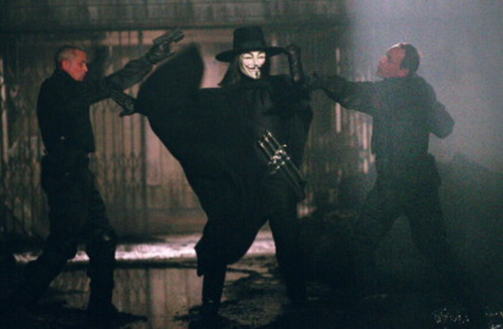 V for Vendetta - Image 2