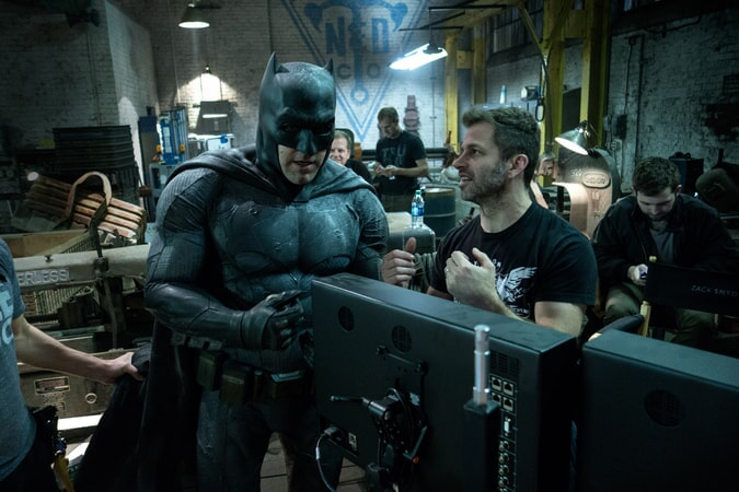 BEN AFFLECK and director ZACK SNYDER on the set