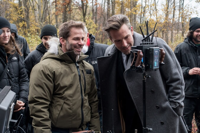 HENRY CAVILL, BEN AFFLECK and director ZACK SNYDER on the set