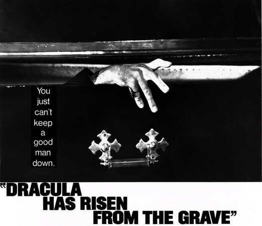 Dracula Has Risen from the Grave - Poster 4