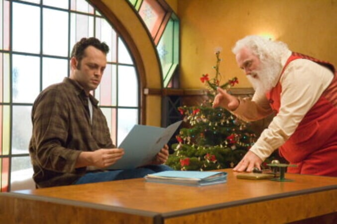 Fred Claus - Image 25