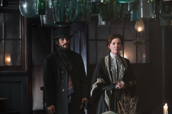 "BEN WHISHAW as Herman Melville and MICHELLE FAIRLEY as Mrs. Nickerson in Warner Bros. Pictures' and Village Roadshow Pictures' action adventure ""IN THE HEART OF THE SEA,"" distributed worldwide by Warner Bros. Pictures and in select territories by Village Roadshow Pictures."