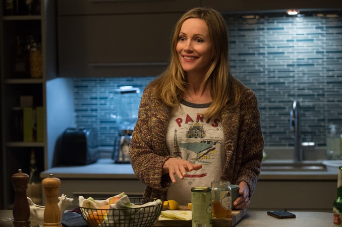 "LESLIE MANN as Meg in New Line Cinema's, Metro-Goldwyn-Mayer Pictures' and Flower Films' comedy ""HOW TO BE SINGLE,"" a Warner Bros. Pictures release."
