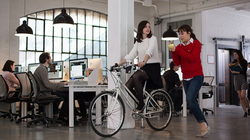 "ANNE HATHAWAY as Jules Ostin and CHRISTINA SCHERER as Becky in Warner Bros. Pictures' comedy ""THE INTERN."""
