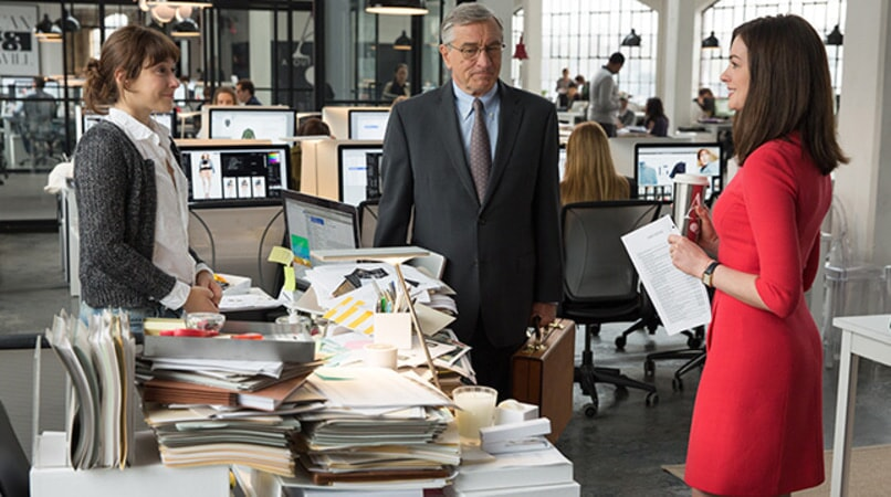 "CHRISTINA SCHERER as Becky, ROBERT DE NIRO as Ben Whittaker and ANNE HATHAWAY as Jules Ostin in Warner Bros. Pictures' comedy ""THE INTERN."""
