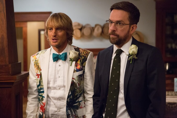 "OWEN WILSON and ED HELMS as twins Kyle and Peter in Alcon Entertainment and Montecito Pictures' comedy ""FATHER FIGURES,"" a Warner Bros. Pictures release."