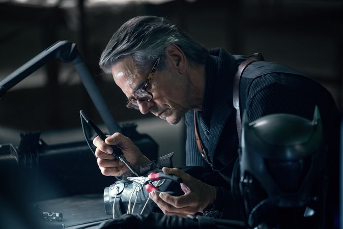 """JEREMY IRONS as Alfred in Warner Bros. Pictures' action adventure """"JUSTICE LEAGUE,"""" a Warner Bros. Pictures release."""