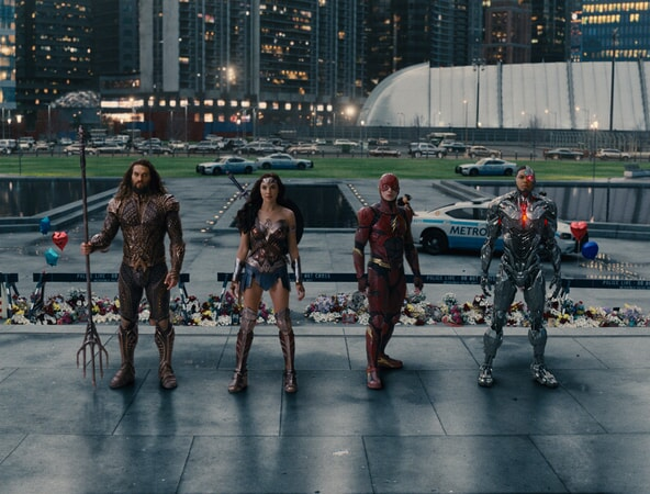 """JASON MOMOA as Aquaman, GAL GADOT as Wonder Woman, EZRA MILLER as The Flash and RAY FISHER as Cyborg in Warner Bros. Pictures' action adventure """"JUSTICE LEAGUE,"""" a Warner Bros. Pictures release."""