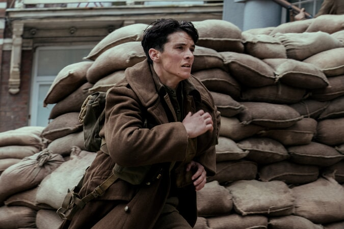 """FIONN WHITEHEAD as Tommy in the Warner Bros. Pictures action thriller """"DUNKIRK,"""" a Warner Bros. Pictures release."""