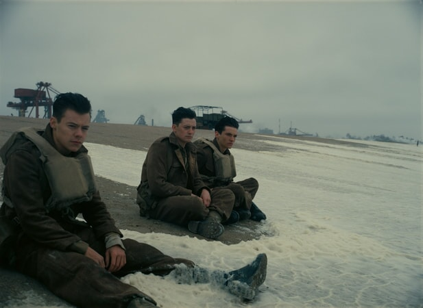 """HARRY STYLES as Alex, ANEURIN BARNARD as Gibson and FIONN WHITEHEAD as Tommy in the Warner Bros. Pictures action thriller """"DUNKIRK,"""" a Warner Bros. Pictures release."""