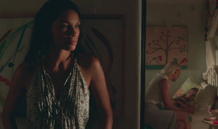 """ROSARIO DAWSON as Julia Banks, KATHERINE HEIGL as Tessa Connover and ISABELLA KAI RICE as Lily Connover in Warner Bros. Pictures' dramatic thriller """"UNFORGETTABLE,"""" a Warner Bros. Pictures release."""