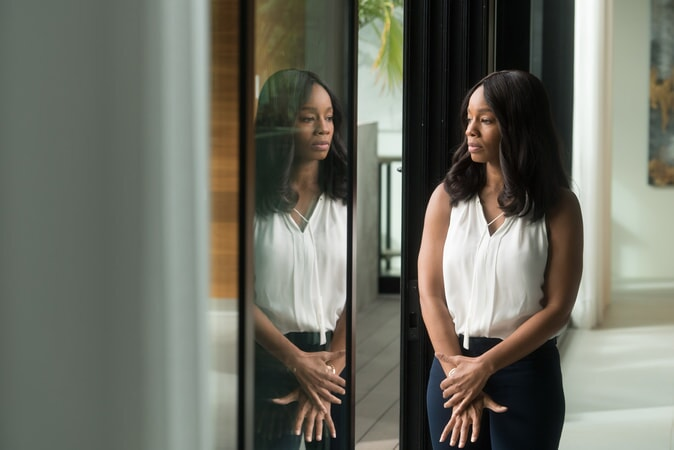 """ANIKA NONI ROSE as Pauline in the Warner Bros. Pictures and Metro-Goldwyn-Mayer Pictures romantic drama """"EVERYTHING, EVERYTHING,"""" a Warner Bros. Pictures release."""