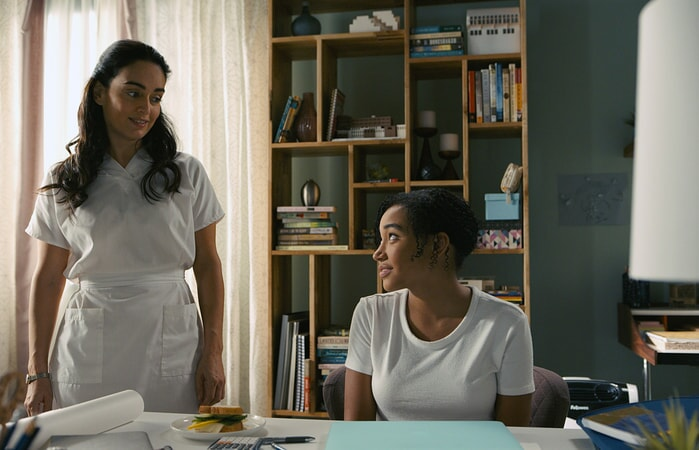 """ANA DE LA REGUERA as Carla and AMANDLA STENBERG as Maddy in the Warner Bros. Pictures and Metro-Goldwyn-Mayer Pictures romantic drama """"EVERYTHING, EVERYTHING,"""" a Warner Bros. Pictures release."""