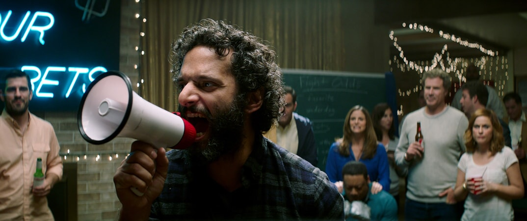 """JASON MANTZOUKAS as Frank, CEDRIC YARBROUGH as Reggie, ANDREA SAVAGE as Laura, WILL FERRELL as Scott Johansen and AMY POEHLER as Kate Johansen in the New Line Cinema and Village Roadshow Pictures comedy """"THE HOUSE,"""" a Warner Bros. Pictures release."""