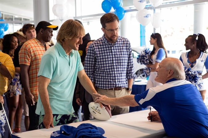 "OWEN WILSON as Kyle Reynolds, ED HELMS as Peter Reynolds and TERRY BRADSHAW as Terry Bradshaw in Alcon Entertainment's comedy ""FATHER FIGURES,"" a Warner Bros. Pictures release."
