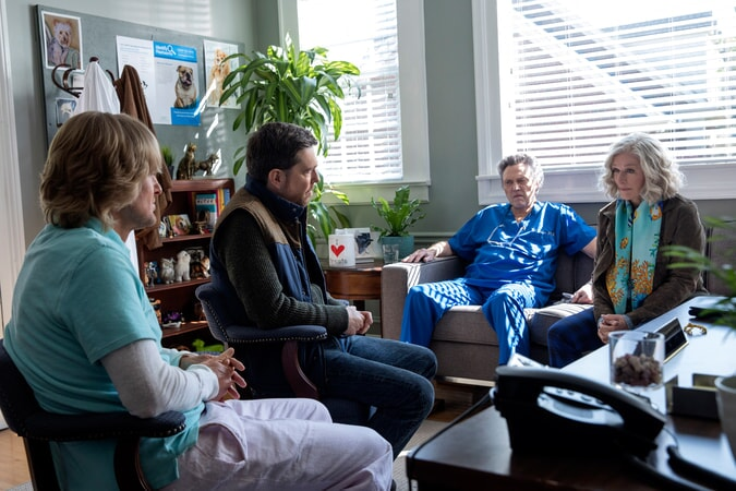 "OWEN WILSON as Kyle Reynolds, ED HELMS as Peter Reynolds, CHRISTOPHER WALKEN as Dr. Walter Tinkler and GLENN CLOSE as Helen in Alcon Entertainment's comedy ""FATHER FIGURES,"" a Warner Bros. Pictures release."