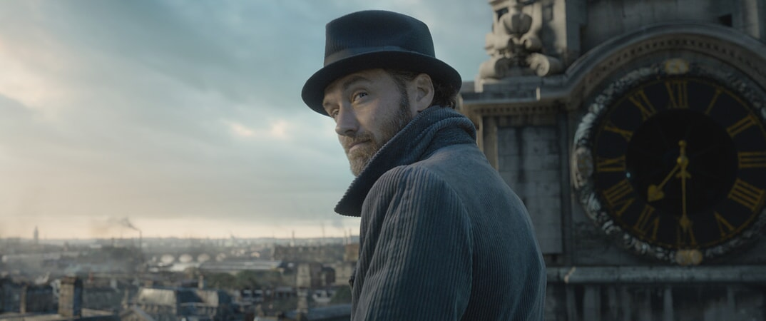 """UDE LAW as young ALBUS DUMBLEDORE in Warner Bros. Pictures' fantasy adventure """"FANTASTIC BEASTS: THE CRIMES OF GRINDELWALD,"""" a Warner Bros. Pictures release."""