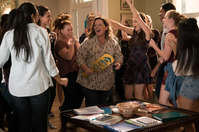 "(L-R) ADRIA ARJONA as Amanda, JESSIE ENNIS as Debbie, MELISSA McCARTHY as Deanna and MOLLY GORDON as Maddie in New Line Cinema's comedy ""LIFE OF THE PARTY,"" a Warner Bros. Pictures' release."