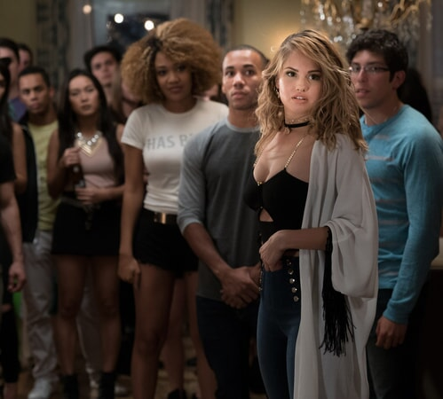 "(Right) DEBBY RYAN as Jennifer and (white shirt) YANI SIMONE as Trina in New Line Cinema's comedy ""LIFE OF THE PARTY,"" a Warner Bros. Pictures' release."