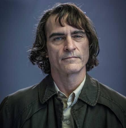 JOAQUIN PHOENIX as Arthur Fleck