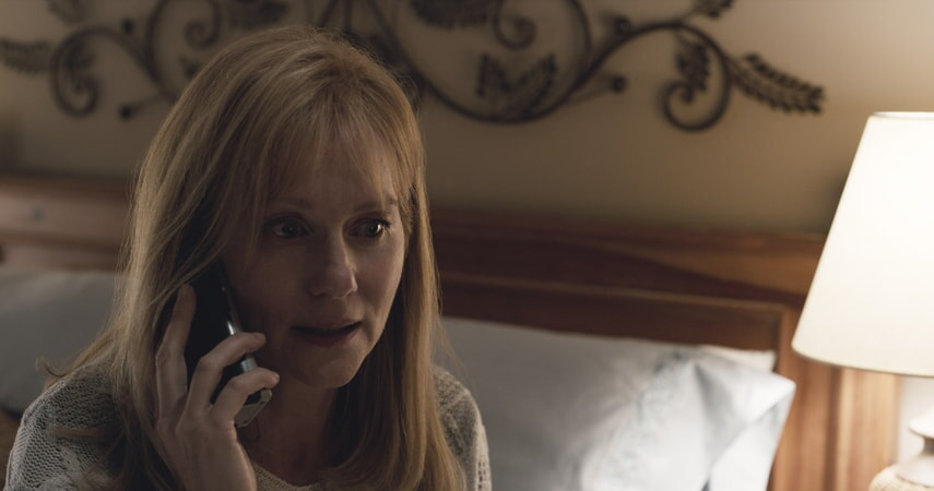 """LAURA LINNEY as Lorrie Sullenberger in Warner Bros. Pictures' and Village Roadshow Pictures' drama """"SULLY,"""" a Warner Bros. Pictures release."""