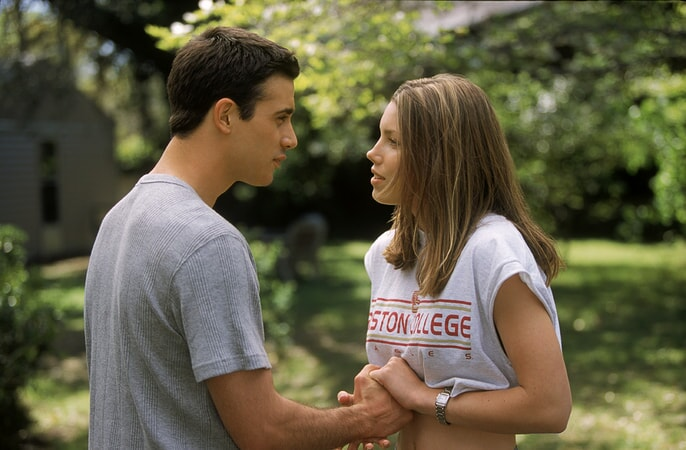 jessica biel and freddie prinze jr. star in summer catch